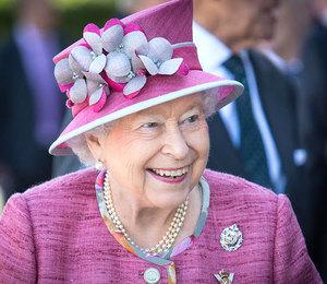 Под запретом: что королева Елизавета II никогда не ест в ресторане?