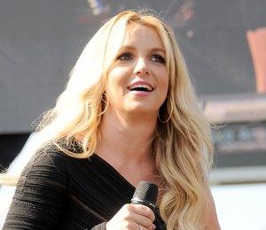 Бритни Спирс потеряла голос?