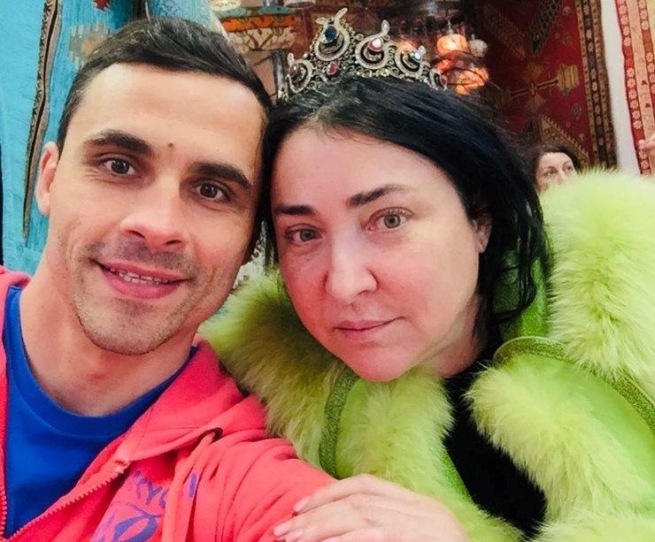 instagram.com/lolitamilyavskaya