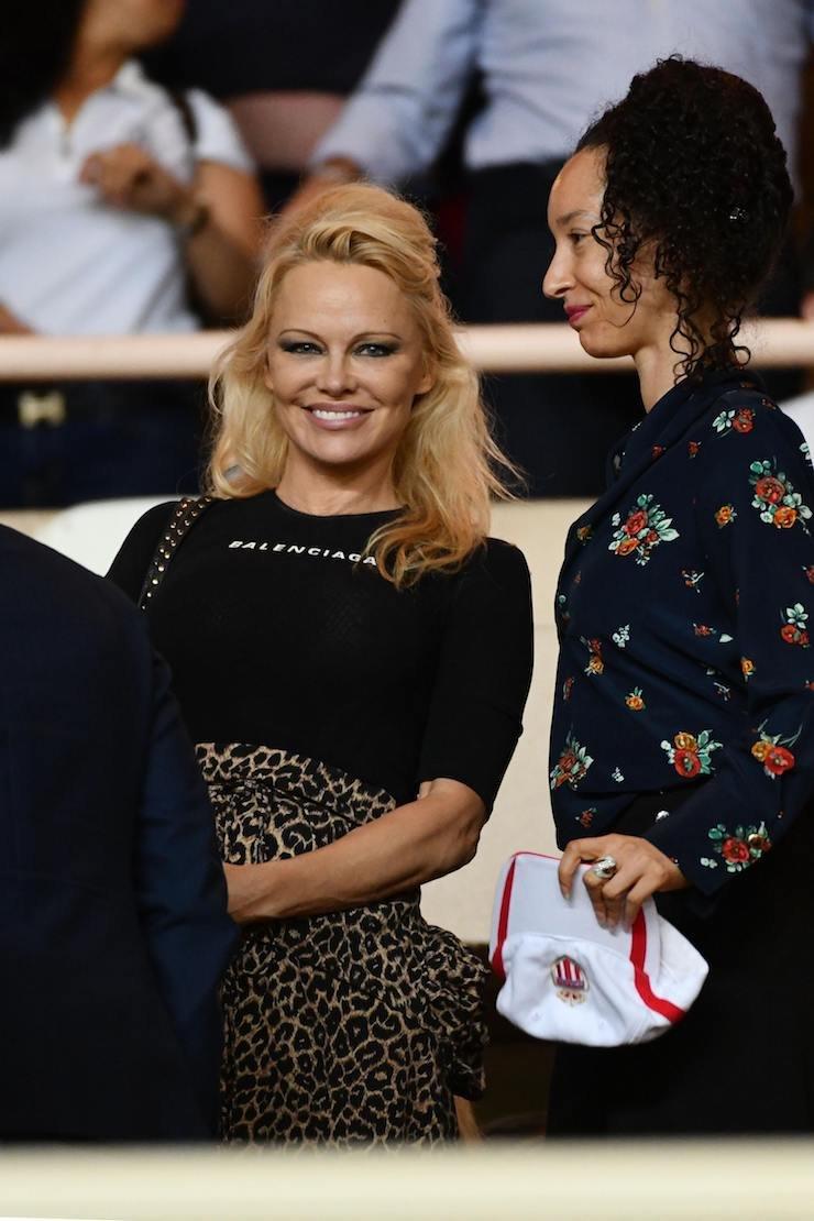 Памела Андерсон посетила футбольный матч, вкотором играл Адиль Рами