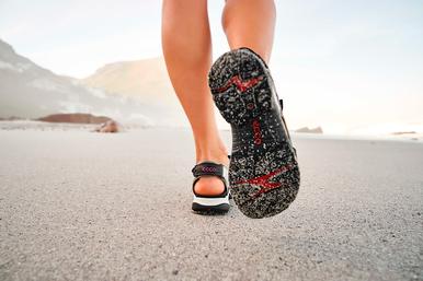 Сандалии: обувь, окрыленная свободой