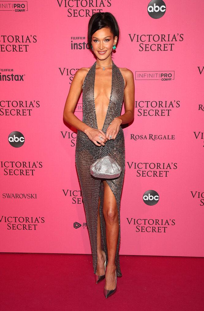 Белла Хадид на Victoria's Secret Fashion Show в2018 году