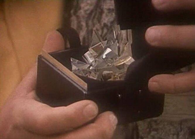 Миелофон решили выполнить в форме кристалла