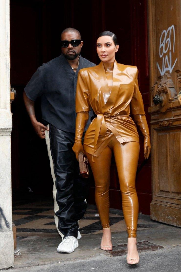 Ким Кардашьян вПариже 2020 год