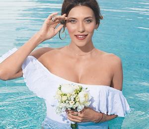 «К образу не хватает трусов, но я могу и без них»: Регина Тодоренко о свадьбе