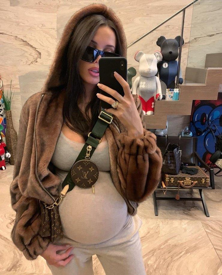 Анастасия Решетова готовится стать мамой