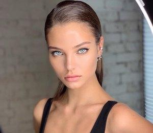 21-летняя Алеся Кафельникова прошлась поподиуму Chanel ирассказала обэмоциях