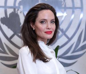 Анджелина Джоли пришла в ярость, когда ведущая шоу спросила о разводе