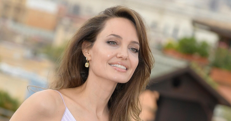 Элегантная Анджелина Джоли покидает Нью-Йорк с детьми | Журнал GRAZIA
