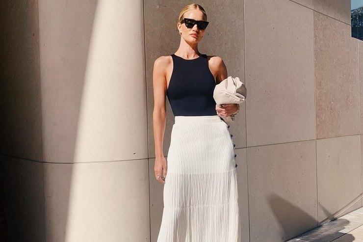 Роузи Хантингтон-Уайтли доказала, что офисная одежда может быть нескучной