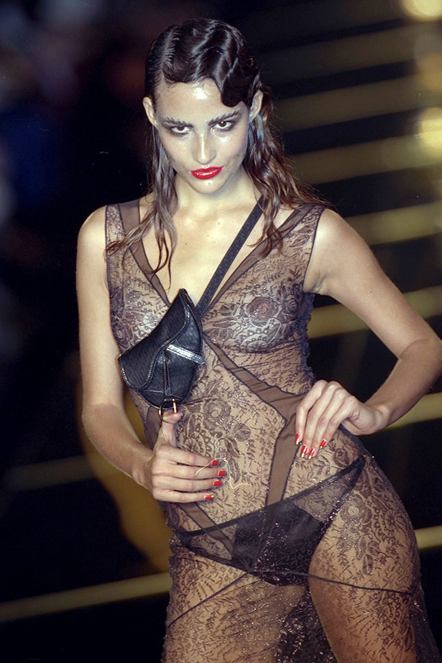 Показ Christian Dior, 2001 год
