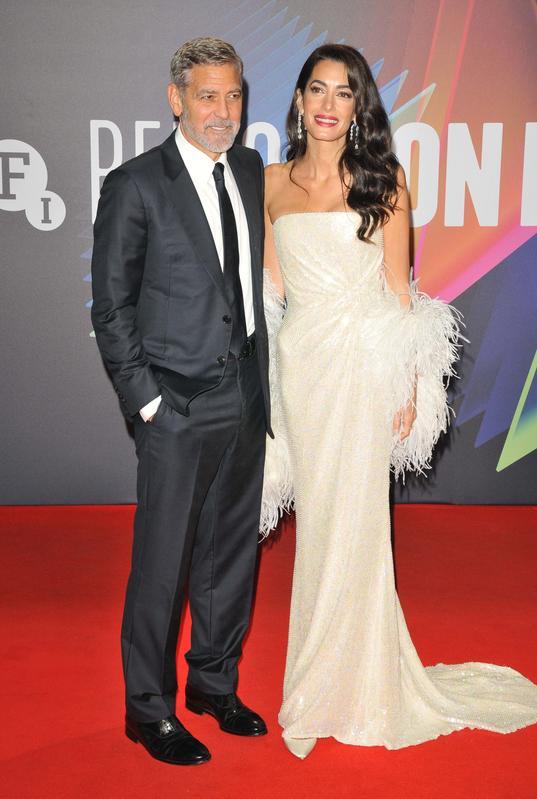 Джордж и Амаль Клуни на красной дорожке