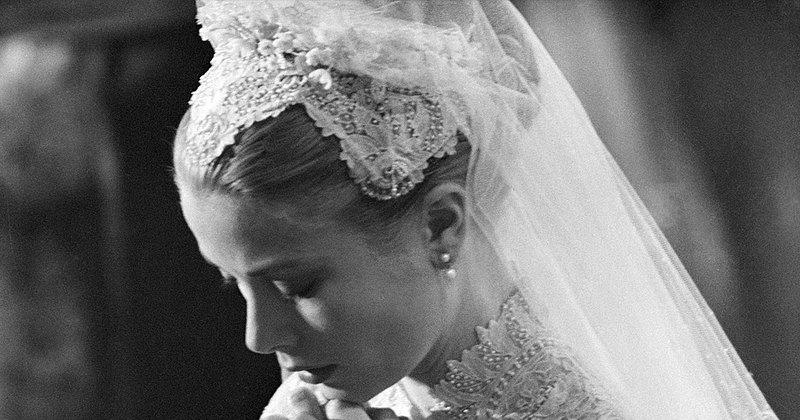 Самые красивые свадебные прически длятех, кто выходит замуж в2020 году