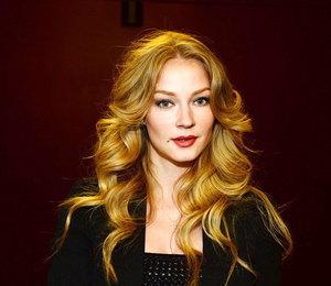 Светлана Ходченкова приняла участие в показе в Париже