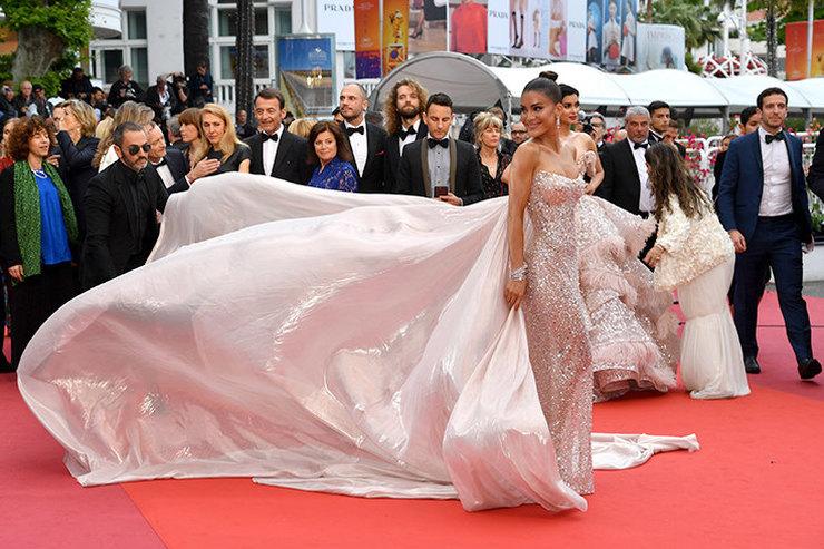 Во всем блеске: самые сверкающие платья Каннского кинофестиваля