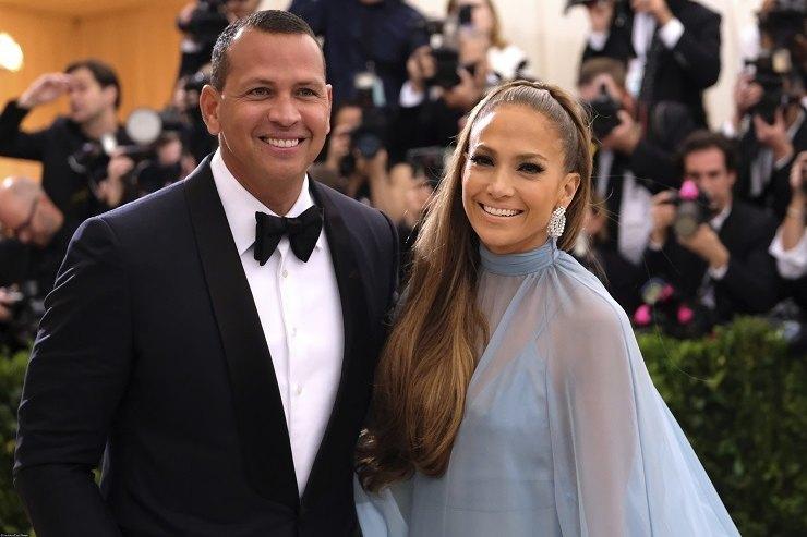 Инсайдеры: Дженнифер Лопес иее бойфренд планируют свадьбу