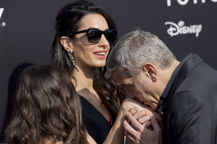 Один раз несчитается: уДжорджа Клуни уже были дочки-близняшки