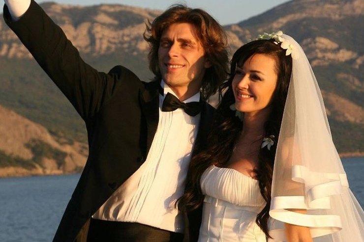 Родственники Анастасии Заворотнюк показали ее фото венчания сПетром Чернышевым