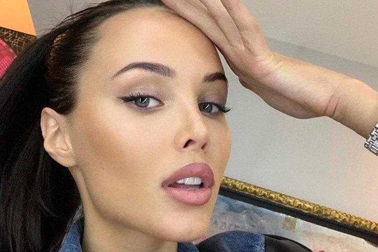 Беременная Анастасия Решетова похвасталась роскошным декольте