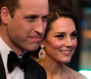 Неприкасаемые: почему Кейт Миддлтон и принц Уильям никогда не держатся за руки?