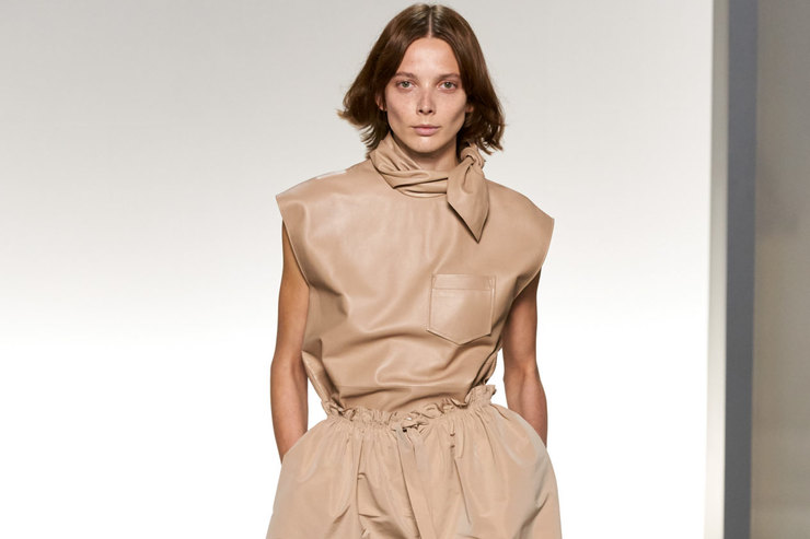 Неделя моды вПариже: лаконичность Нью-Йорка ишик Парижа напоказе Givenchy