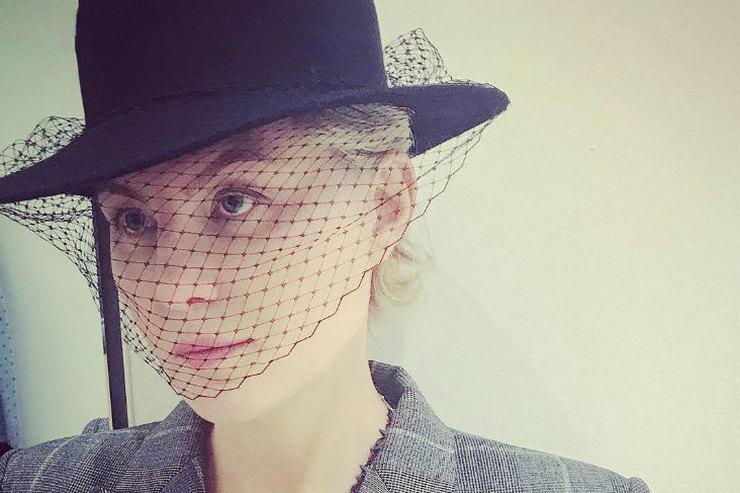 Рената Литвинова поздравила Земфиру сднем рождения, поделившись раритетным фото