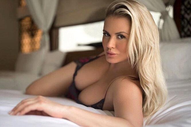 Фото 37-летней Анны Семенович всорочке разочаровало фанатов