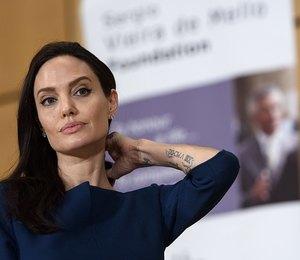 Анджелину Джоли обвинили в жестокости по отношению к детям