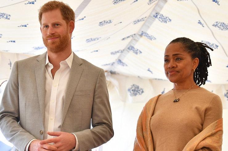 Мать Меган Маркл поддерживает герцогов Сассекских
