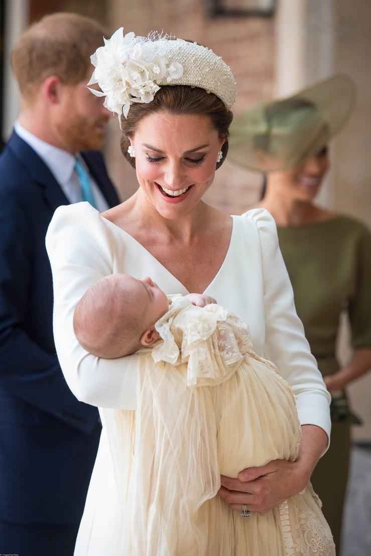 Кейт Миддлтон накрестинах принца Луи