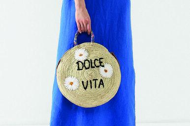 Новый бренд: соломенные сумки сименами ислоганами Mana Saint Tropez