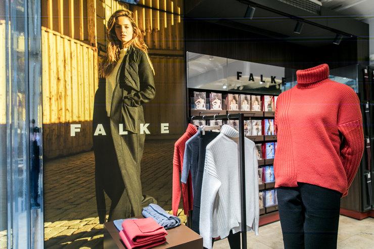 Легенда снами: немецкий бренд Falke представил коллекцию одежды вМоскве