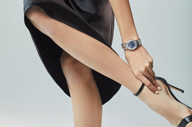 Расписано почасам: выбираем идеальные часы дляновогодней ночи изколлекции Tag Heuer