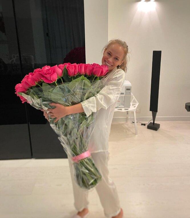 Катерина Ковальчук с букетом