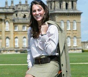 Легкое пальто и классическая юбка: стильная заповедь от британских монархов