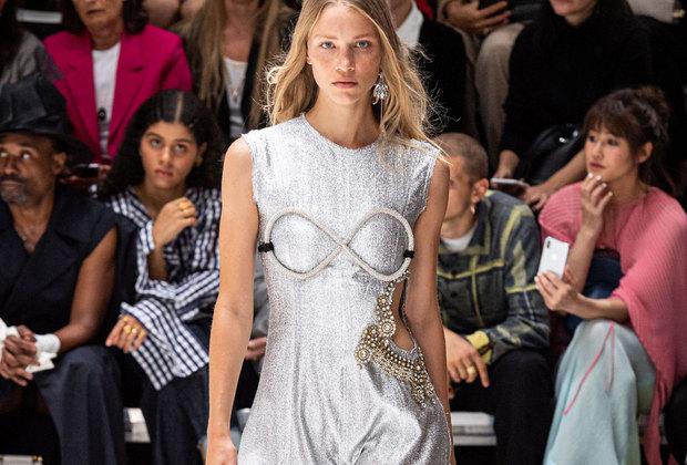 Неделя моды вЛондоне: эфемерная женственность напоказе J. W. Anderson
