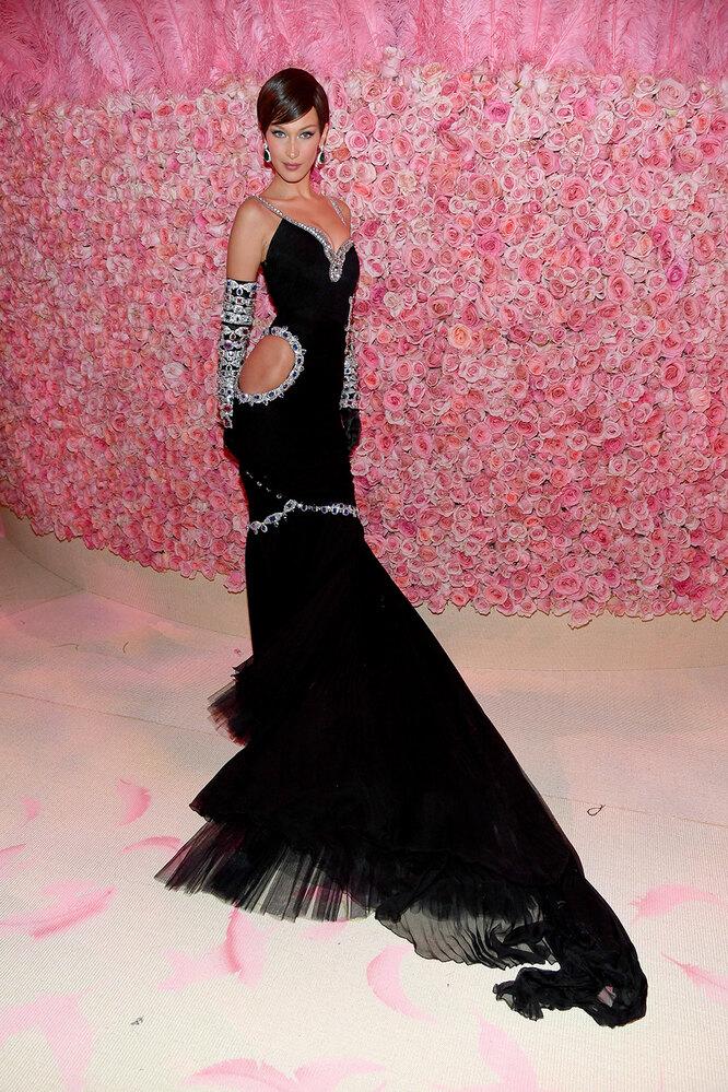 Белла Хадид на Met Gala, 2019