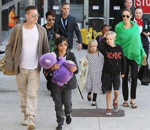 Как взрослые: Дети Анджелины Джоли и Брэда Питта ходят на шопинг без родителей