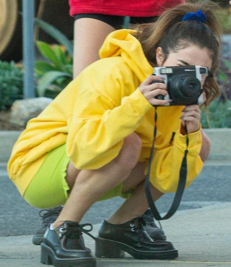 Селена Гомес решила сделать несколько снимков