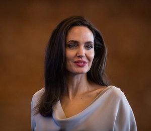 Ты не поверишь! Анджелина Джоли хочет помириться с Брэдом Питтом
