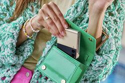 6 причин, почему новый Galaxy Z Flip3 нужен каждой девушке