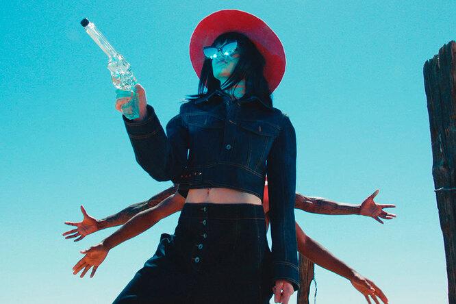 Ковбои иинопланетяне: Stella McCartney сняли рекламу встиле sci-fi-фильмов
