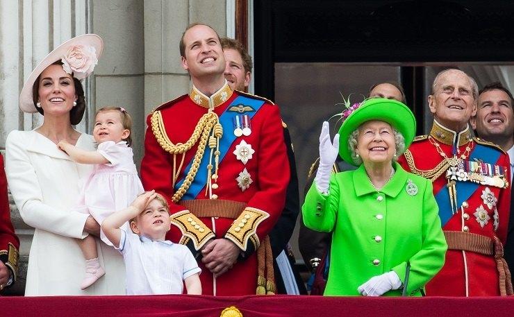 Кейт Миддлтон,принц Уильям, принц Георг, принцесса Шарлотта, королева Елизавета II