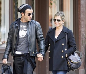 На законном основании: помолвка Брэда Питта и Анджелины Джоли не оставила знаменитостей равнодушными