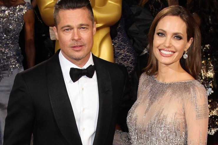 Анджелина Джоли отказалась отфамилии Питт
