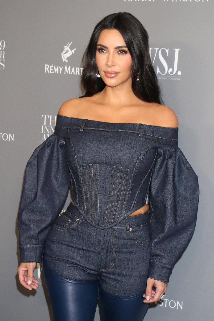 Ким Кардашьян напремии журнала WSJ Innovator Awards