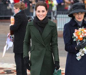Кейт Миддлтон в зеленом пальто пообщалась с жителями Блэкпула