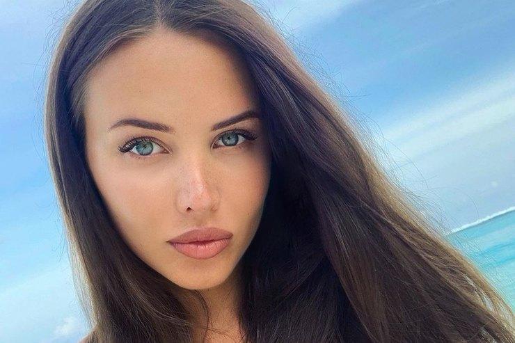 Беременная Анастасия Решетова позировала впикантном бра
