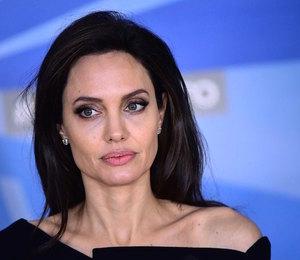 Анджелина Джоли работает на износ, чтобы не думать о процессе развода