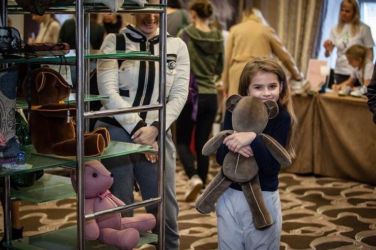 В отеле «Балчуг Кемпински Москва» пройдет пятая благотворительная барахолка